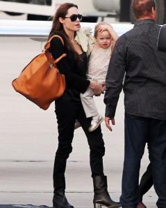 Анджелина Джоли прилетела в Новый Орлеан