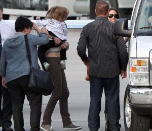 Анджелина Джоли и шесть ее детей