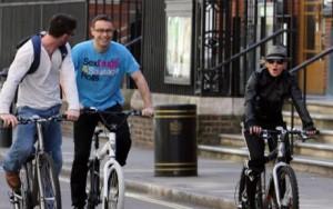 Мадонна на велосипеде