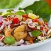 Салат с курицей и кешью